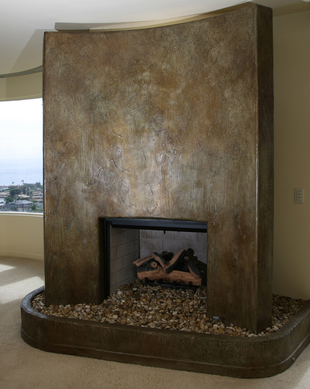 Wandmanufaktur on pinterest by farbelite plaster wall treatments and damask wall stencils - Fireplace finish ideas ...